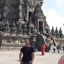 Exploring Prambanan Tample
